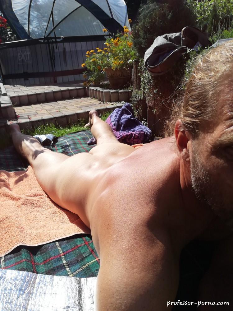 Nackt sonnen männer