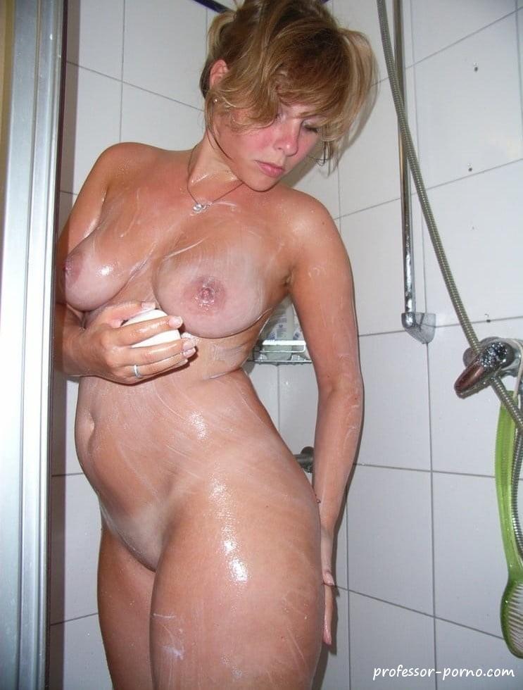 Mollig Mädchen Die Dusche