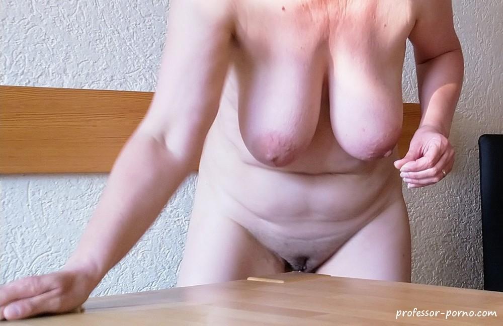 Nackt Putzen Videos